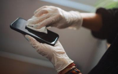 Contamination of mobile phones in vet hospitals